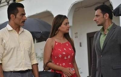 Anupamaa: Aniruddh wants Kavya back in his life; Vanraj sighs