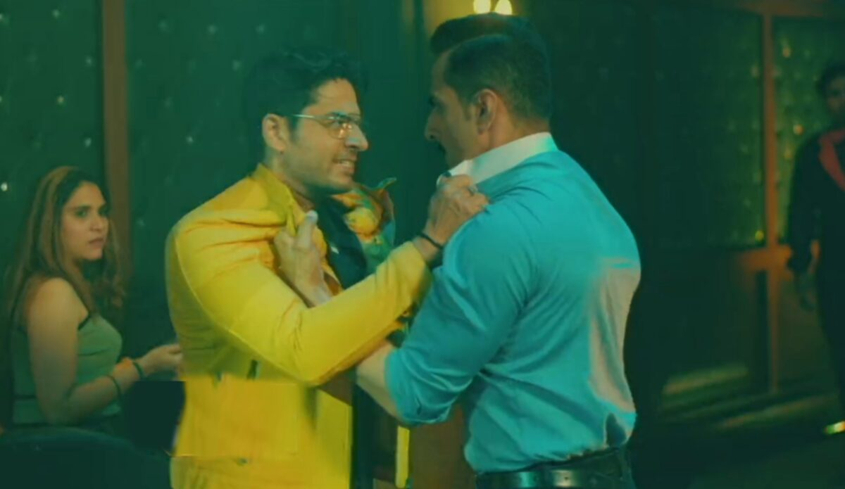 Anupama: Anuj-Vanraj gets into a fight; Anupama irked